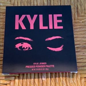 Kylie Cosmetics - The Burgundy Palette
